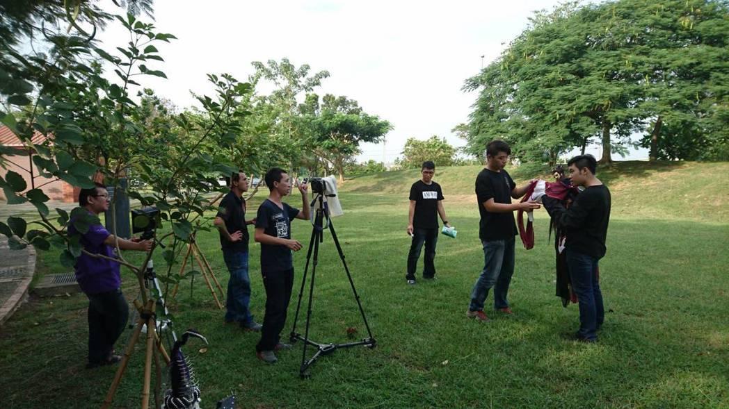 三昧堂近來拍微電影,愈來愈多年輕人加入學習。 圖/三昧堂提供