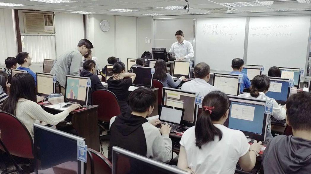 特別聘請講師陳葵懋授課。 業者/提供