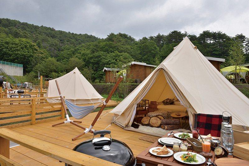 入住貼近自然的露營場,自然光可以微微穿透帳篷,讓人體驗與大自然一同甦醒的露營樂趣...