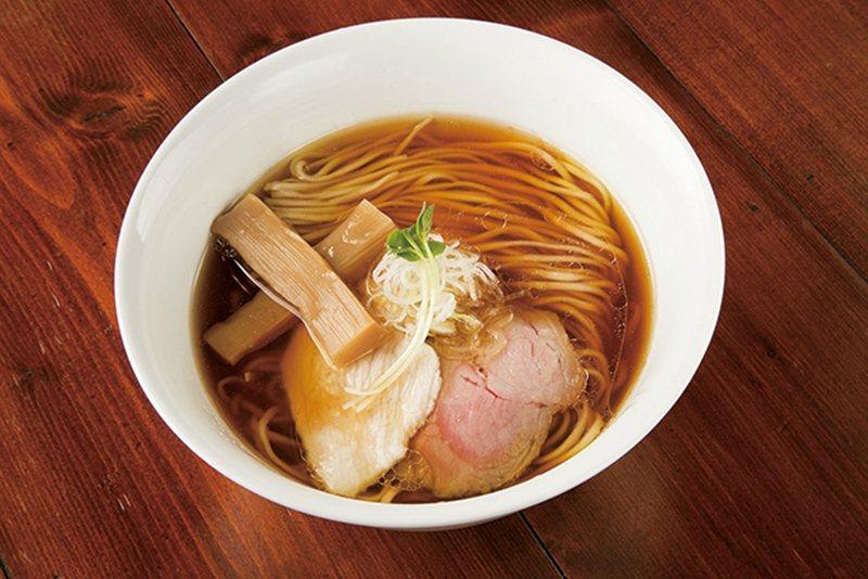 鶏そば(雞汁拉麵)¥780/雞汁拉麵為本店人氣招牌,使用日本產小麥及石臼磨出的精...