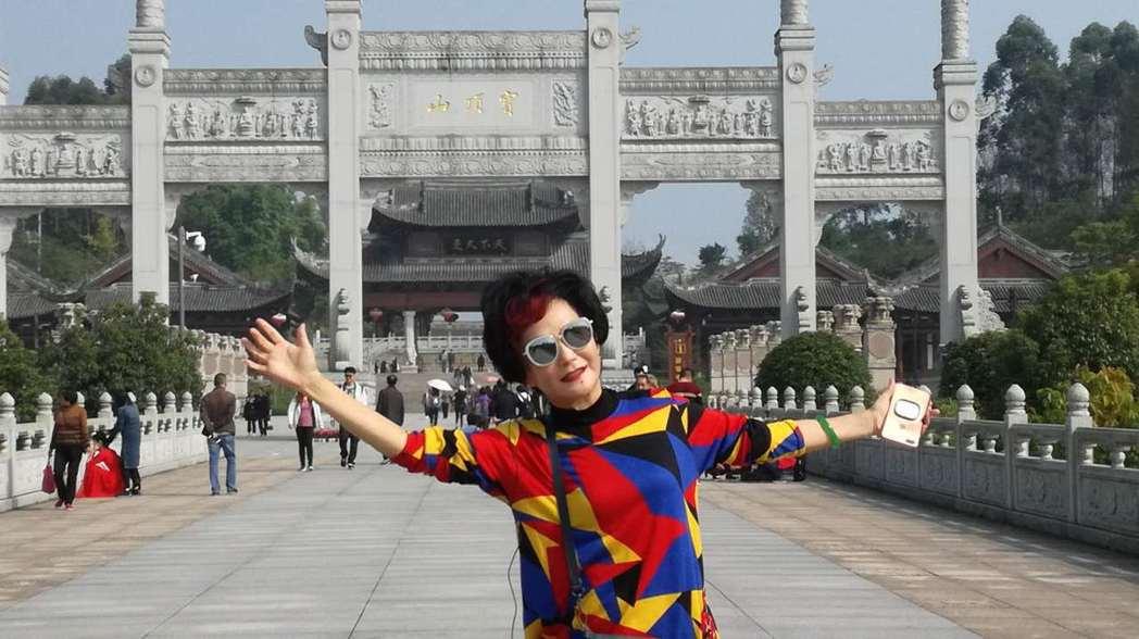 胡錦出席重慶兩岸電視節書畫展,特地到當地景區大足石刻一遊。記者楊起鳳/攝影
