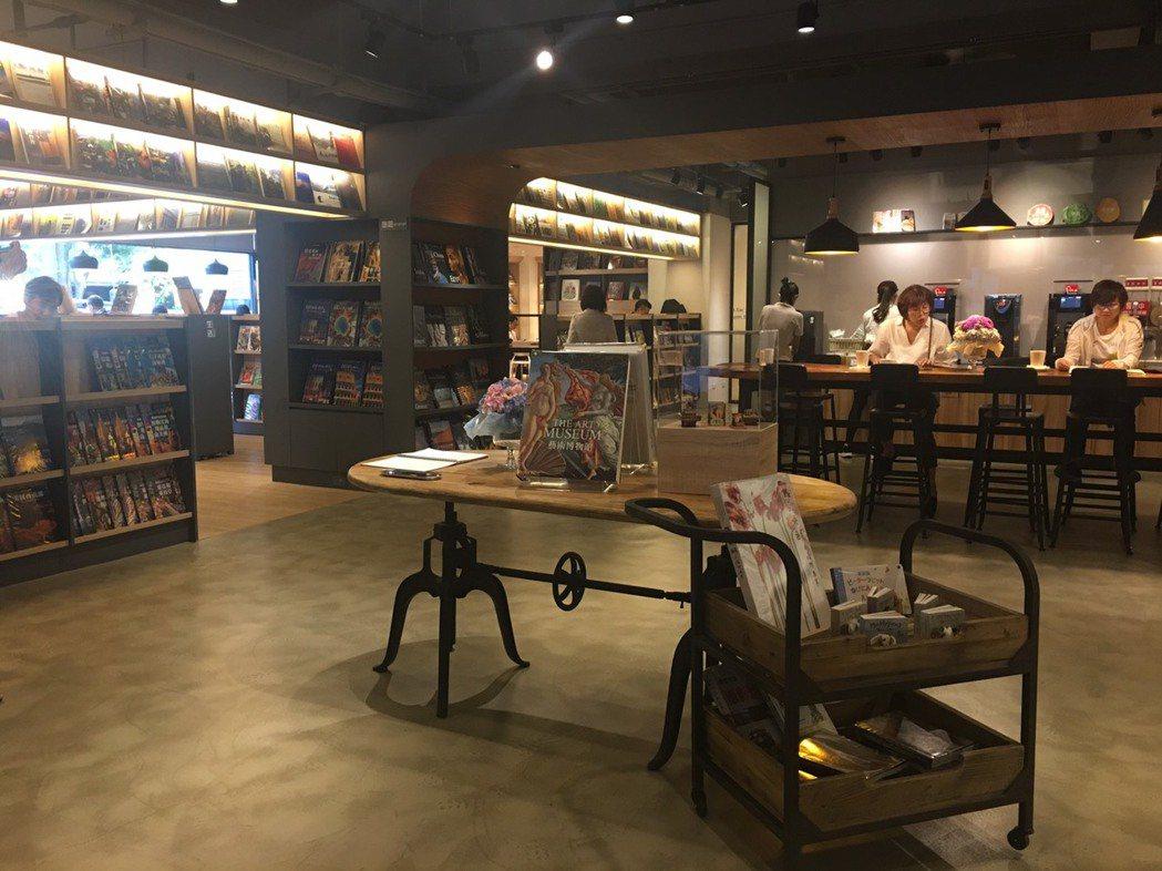 台北「益品書屋」裝潢典雅,書屋內共3000多冊藏書,集書店、圖書館、咖啡館三功能...