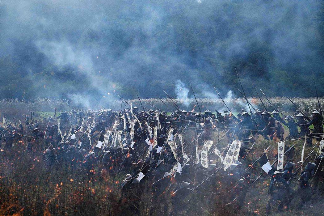 日本歷史的關鍵性戰役「關原之戰」首次搬上大銀幕,片中重現戰國時代驚心動魄的戰爭場