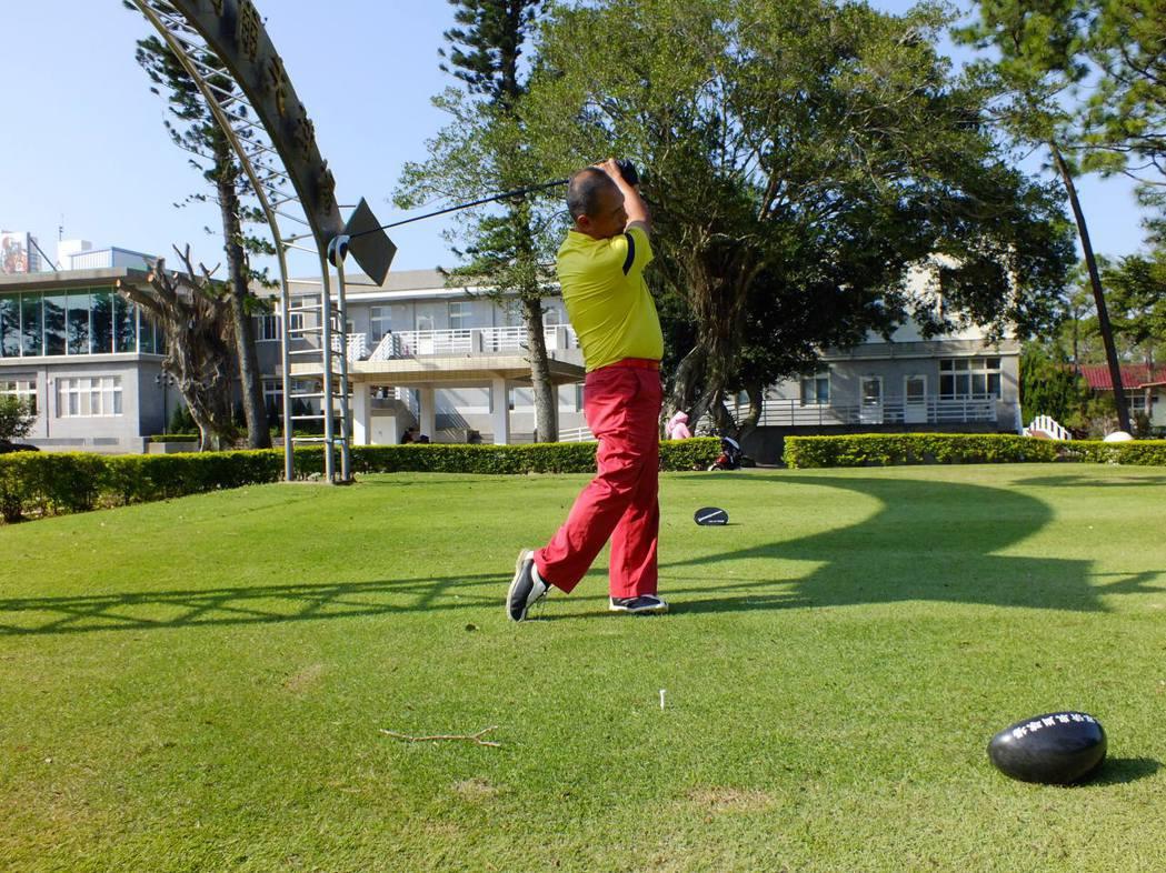 羅世輝,目前是台灣長春職業高爾夫協會職業選手,也是專業的教練,擁有36年的球齡。...