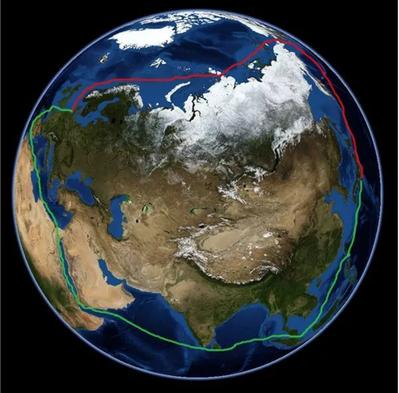北極東北航道(紅)與傳統航道(綠)示意圖。 圖/取自「俠客網」網站