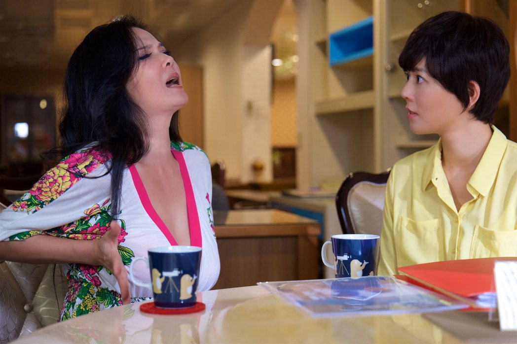丁國琳與劉香慈在新片「乳•房」中合作演出。圖/一念間電影提供