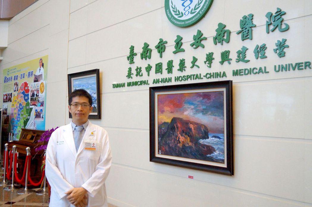 台南市立安南醫院眼科醫師薛維禎提醒家長重視孩子的假性近視。圖/安南醫院提供