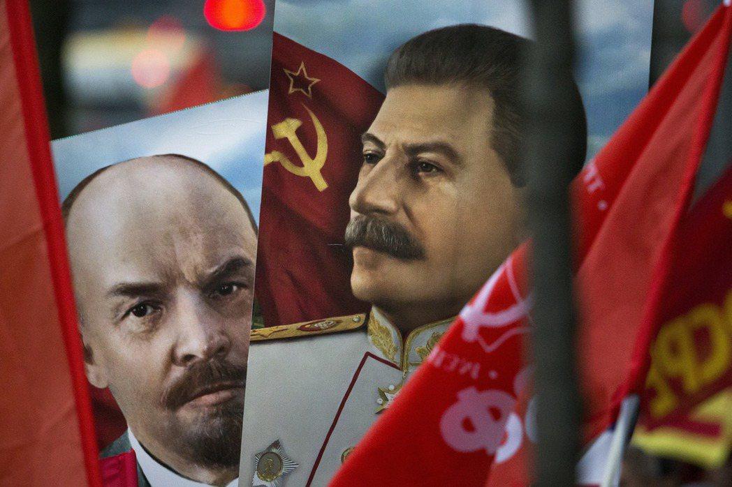 在1930年代的革命敘事中,史達林是列寧唯一的門徒,是其精神的延續。 圖/美...