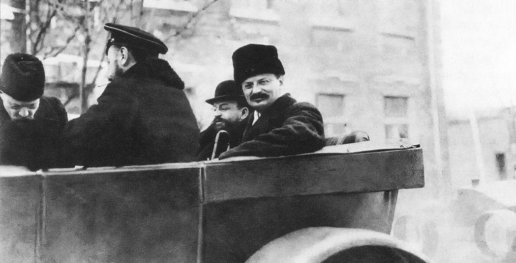 史達林說:「今天不能放有托洛茨基的電影。」圖中者為托洛茨基。 圖/維基共享