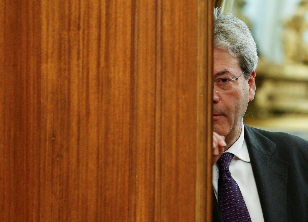義大利總理簡提洛尼很爽快地表示:「政府已經準備好來討論自治議題了。」 圖/路透社