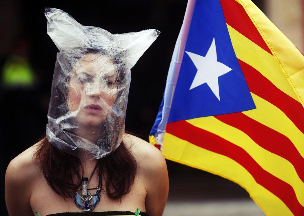 在歐盟主要國家的同聲圍剿下,加泰隆尼亞形同孤立,但為何歐盟多國強烈反對? 圖/路...