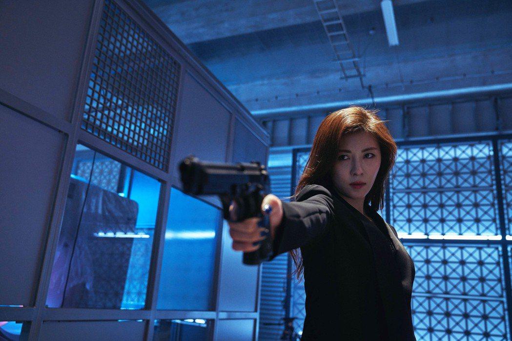 河智苑在「追捕」中扮演殺手。圖/華映提供