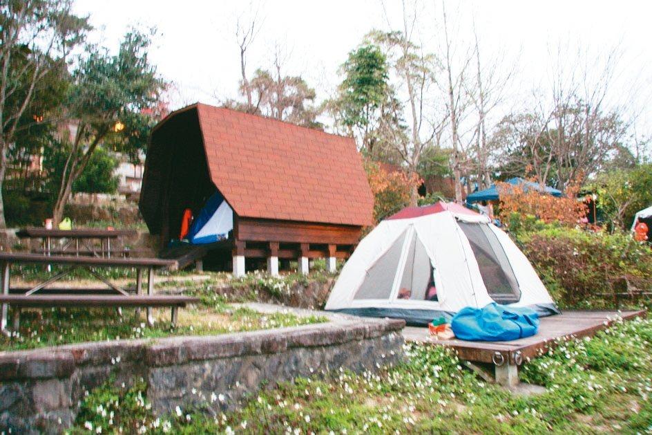 柯市府強調「使用者付費」,轄下2處免費露營場,門票將以營位計費。 圖/北市大地處...