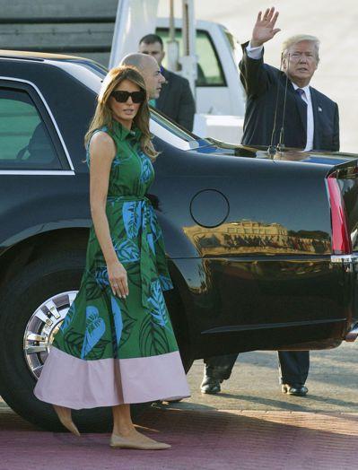 美國總統川普夫婦4日從夏威夷出發,準備飛往日本。(美聯社)