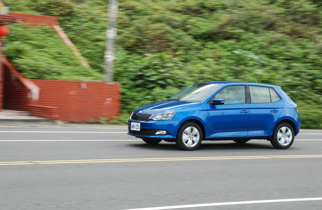 作為進口小車,Fabia 的安全配備相當豐富。 記者林鼎智/攝影