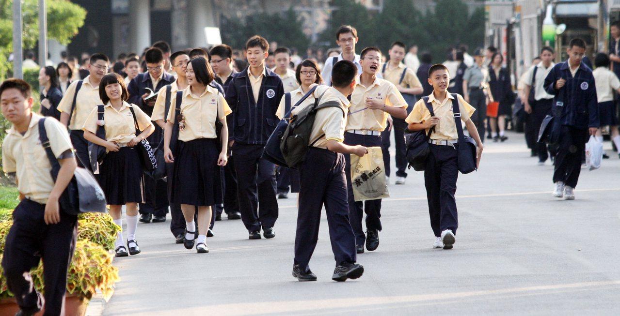 高中職學生。聯合報系資料照/記者黃義書攝影