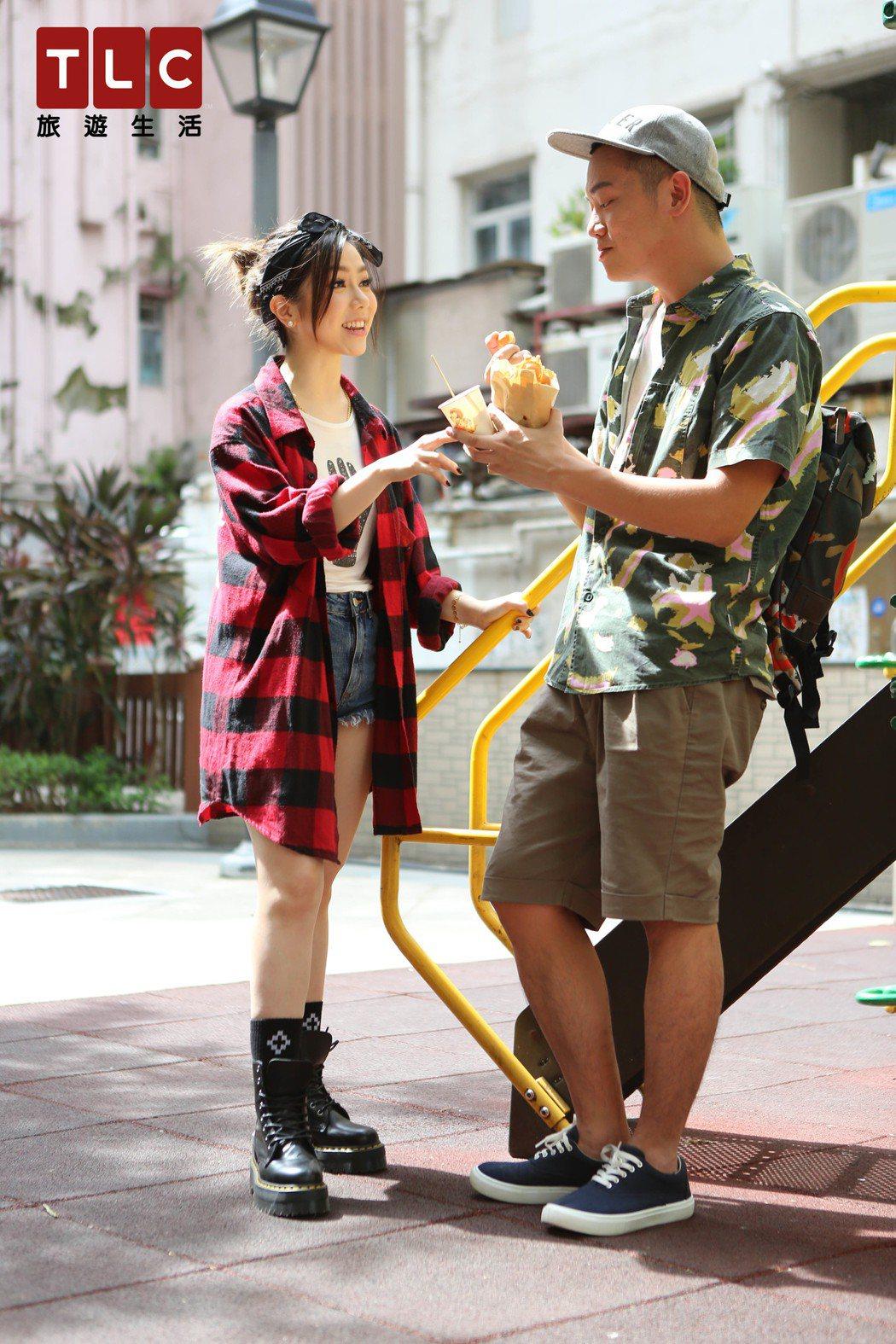 鄧紫棋百忙之中抽空擔任導遊,帶Soac品嚐香港美食。圖/TLC旅遊生活頻道提供