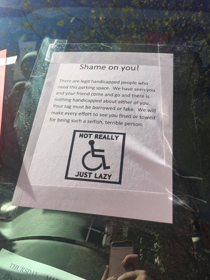 紙條上甚至威脅要讓她的車輛拖走「像你這麼自私自利的人,我們會想盡辦法讓你被罰款或...