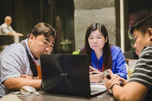 課程融入小組競賽、分組討論,引發學員自主性思考與實作驗證教學理論。   ...