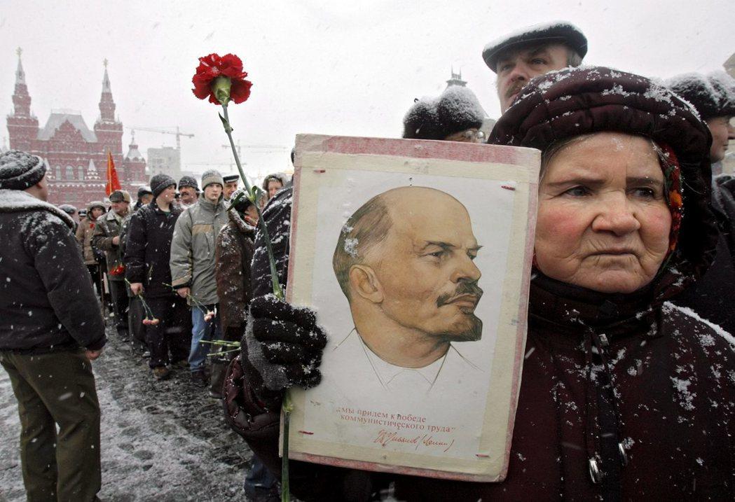 在去史達林化的年代,革命的敘事再度回歸列寧傳統,列寧化身成謙虛、親切的「列寧爺爺...