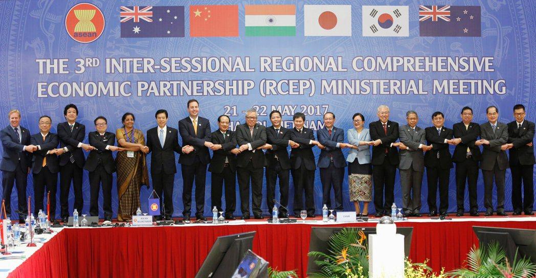 「區域全面經濟夥伴協定」(RCEP)成員國的貿易部長5月在越南河內開會。 路透