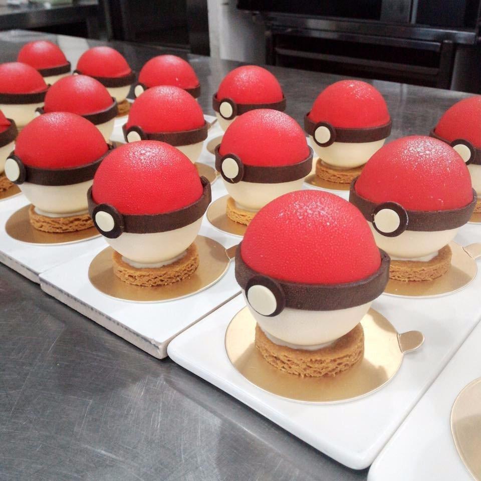 「小梗甜點咖啡」的寶貝球蛋糕,造型十分特別。(圖片來源/小梗甜點咖啡FB粉絲團)