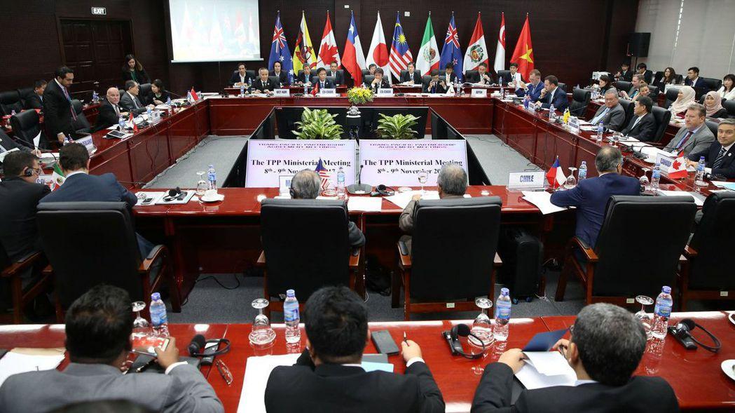 TPP簽署國經貿部長在峴港開會。 路透