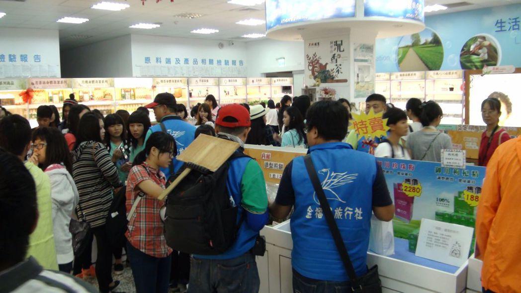 嘉義市「月桃故事館」吸引不少團體遊客造訪。記者王慧瑛/攝影