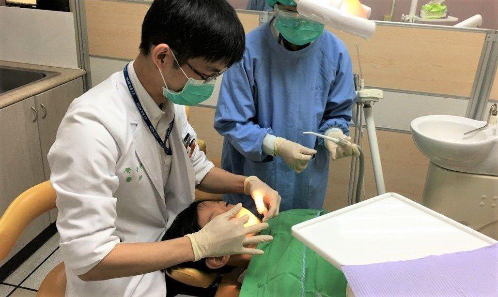 衛福部上週公告修正手術同意書與麻醉同意書格式,新版內容包括手術負責醫師必須標註部...