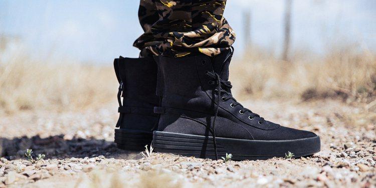 PUMA x XO Parallel軍靴,6,980元。圖/PUMA提供