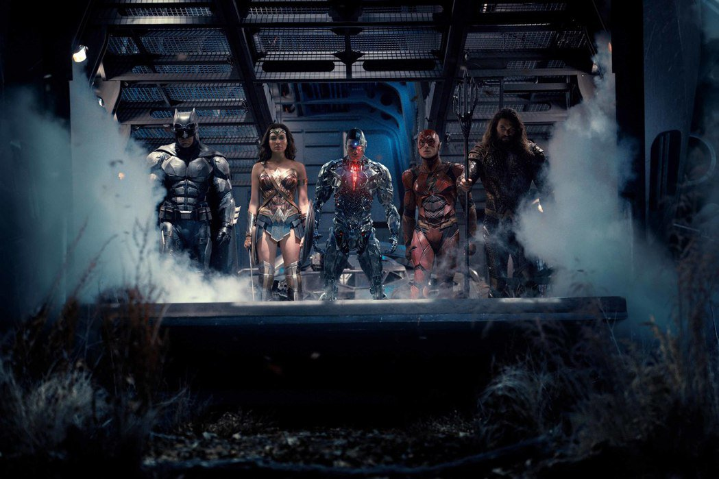 「正義聯盟」齊聚眾多英雄,一同對抗來自外星球的強敵。圖/華納兄弟影業提供