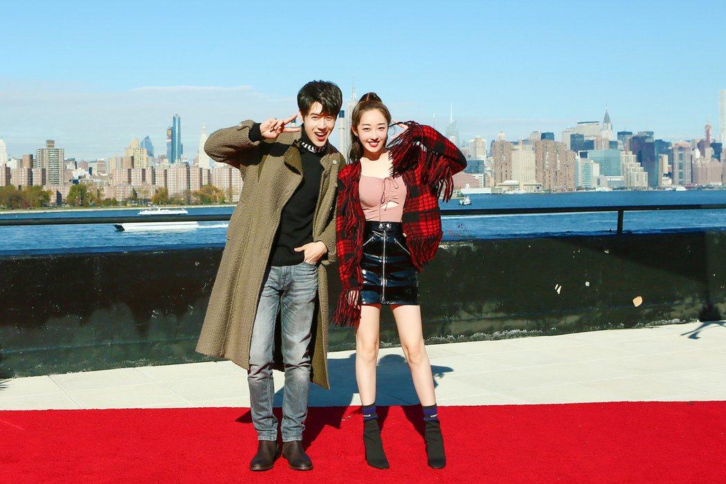 胡宇威(左)、蔣夢婕拍新戲「在紐約」。圖/寶麗來提供