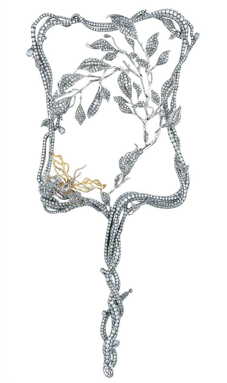瑰麗扇子為2009年應邀於時LVMH集團旗下鑽石品牌Forevermark的創作...