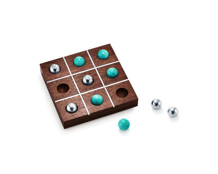 Tiffany 純銀與黑核桃木井字遊戲組,36,500元。圖/Tiffany提供
