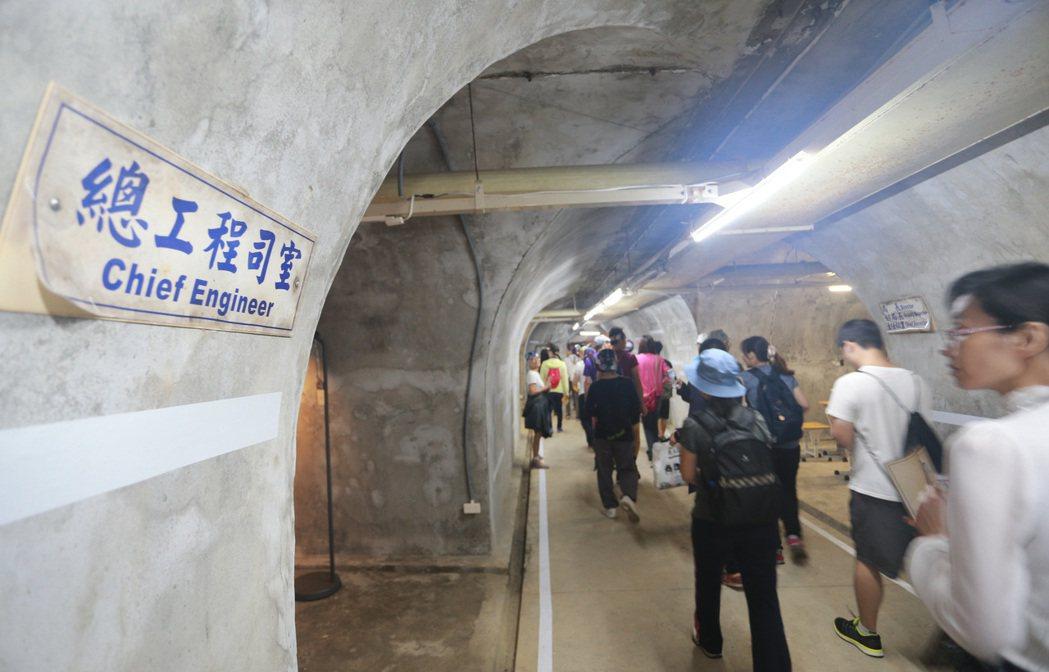 高雄港務局曾在西灣隧道防空設施裡頭辦公。 記者劉學聖/攝影