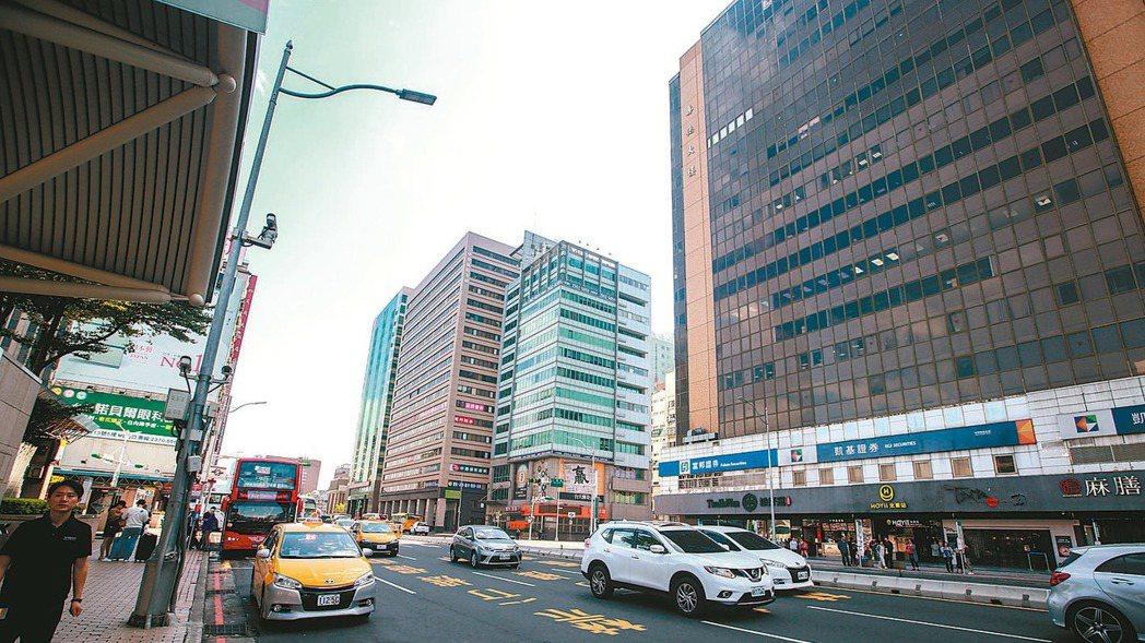 大同區鄰近台北火車站,交通便利,生活機能成熟。 記者程宜華/攝影