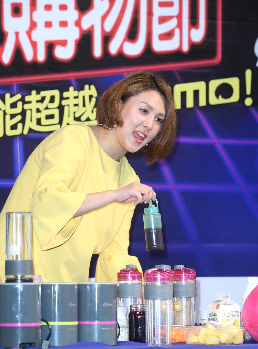 朱芯儀出席購物台活動。記者陳瑞源/攝影