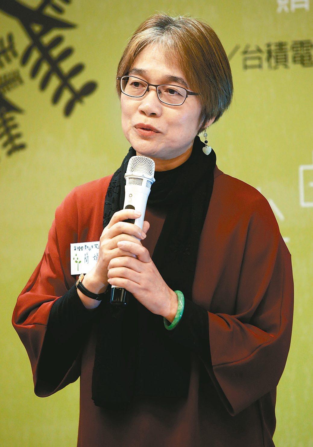 第十四屆台積電青年學生文學獎,簡媜獲青年票選喜愛作家。 記者林俊良/攝影