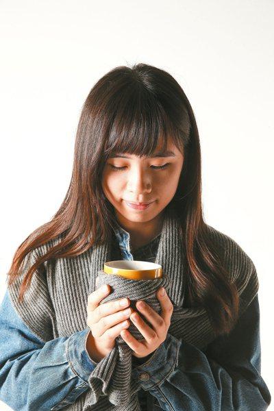冬天天氣冷,不少人習慣喝一杯熱熱的薑母茶、桂圓茶暖暖身體。 報系資料照