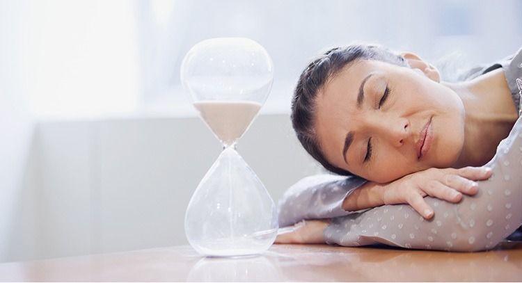 許多癌症病人將「疲憊」視為理所當然,但醫師強調,累不是應該的,且可透過行為及藥物...