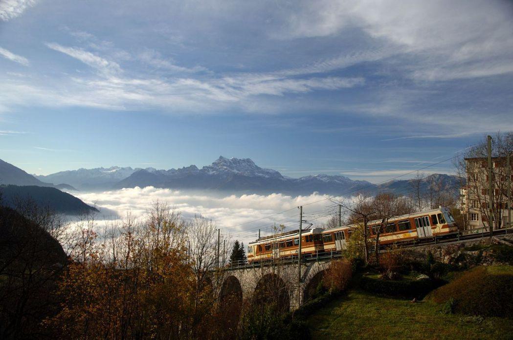 位於瑞士Leysin地區的萊辛美國學校座落於風景悠美的瑞士法語區 林肯企管/提供