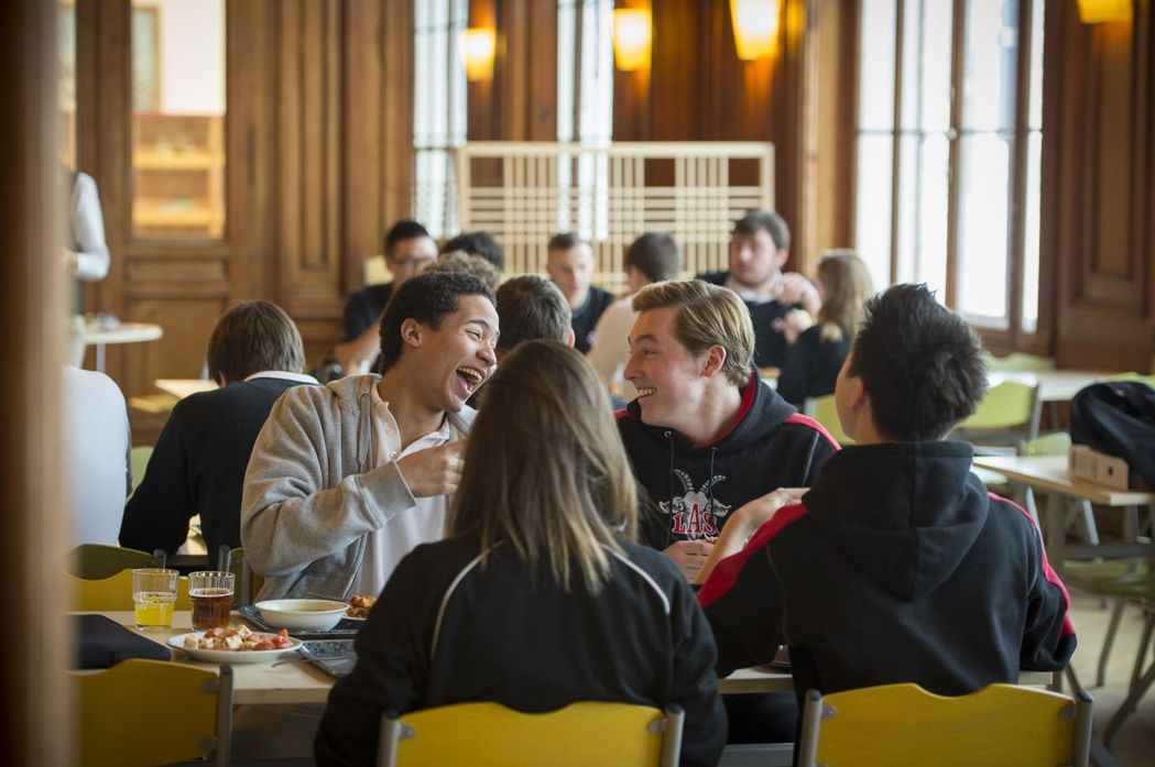 許多國際學生都選擇萊辛美國學校就讀 林肯企管/提供