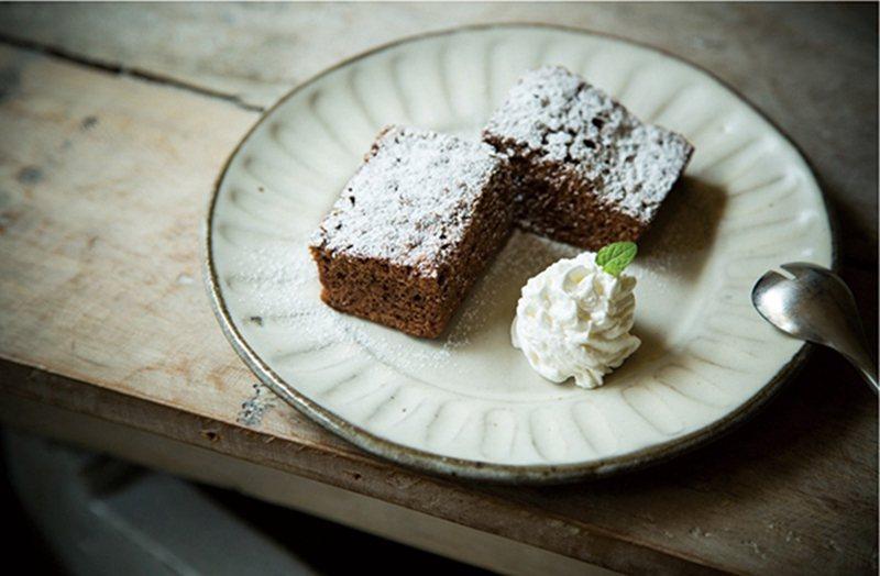 チョコブラウニー(巧克力布朗尼)¥550/每日現烤,酥脆外皮搭配香濃萊姆內餡。