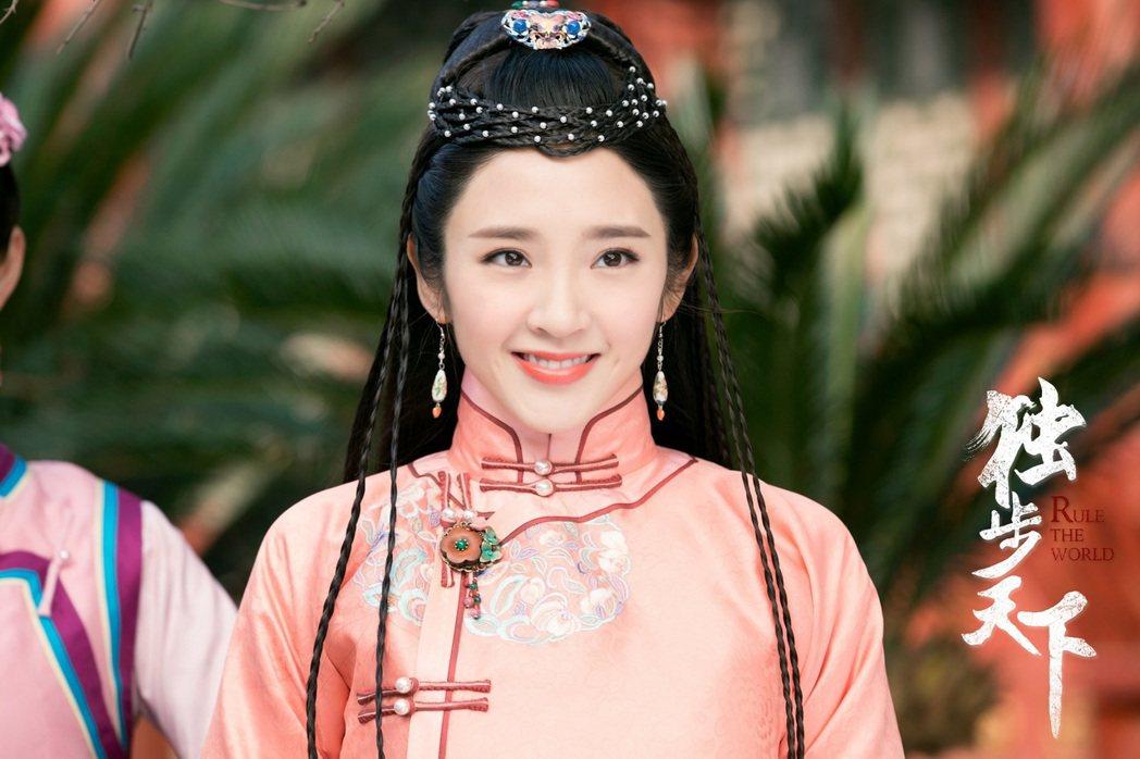 唐藝昕在「獨步天下」中受封「第一美人」。圖/CHOCO TV提供
