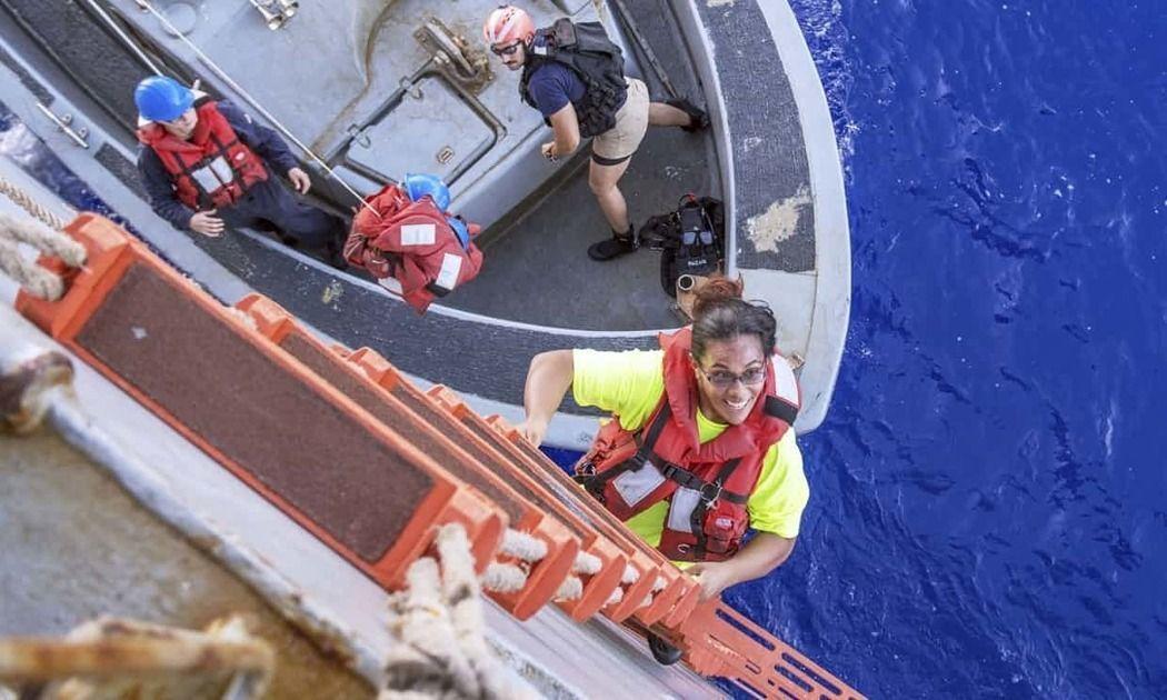 當初美國2名女子和2隻隨行小狗在海上漂流5月才被發現獲救。美聯社