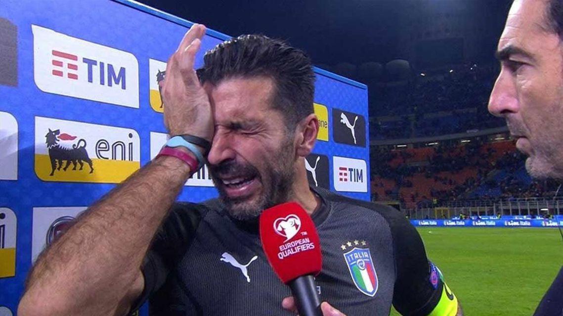 比賽結束後,義大利的隊長——39歲,曾與藍衫軍一同拿下2006年世界盃冠軍的傳奇...