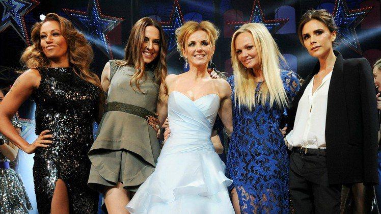 (左至右)媚兒碧(Mel B)、媚兒喜(Melanie C) 、潔芮(Geri ...