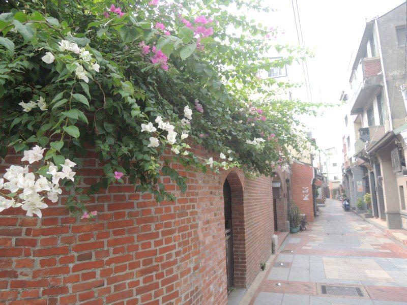石廈街的閩式風格建築。 圖/賴聖芬提供