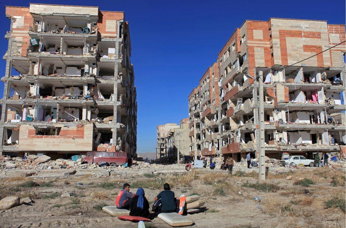 這些損毀屋舍許多都是屋齡不到10年、由伊朗政府出資補助給中下階層的「合宜住宅」計...
