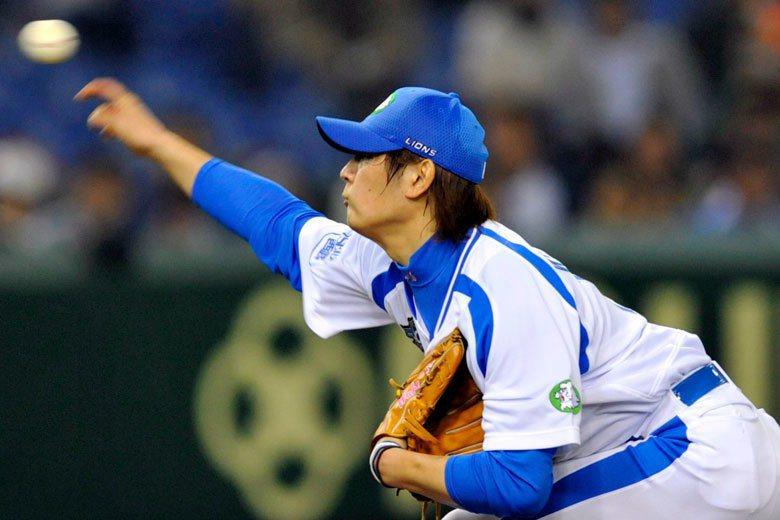 涌井秀章過去在西武時是許銘傑的隊友,2007到2011年都算是球隊的王牌投手。轉...